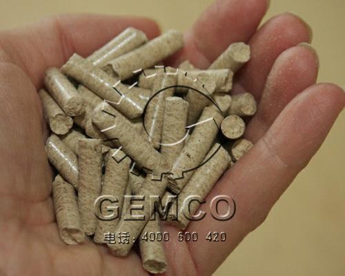 玉米秸秆饲料颗粒机制粒交果成品